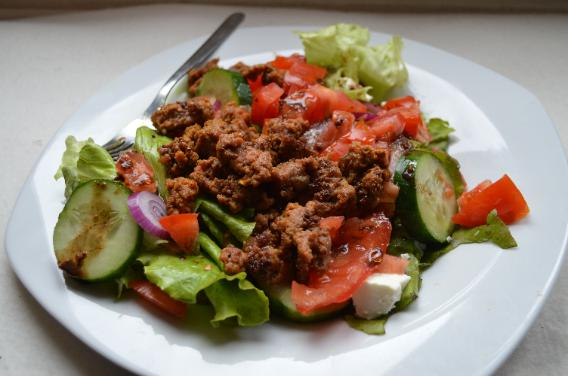 hamburger salad is high in iron
